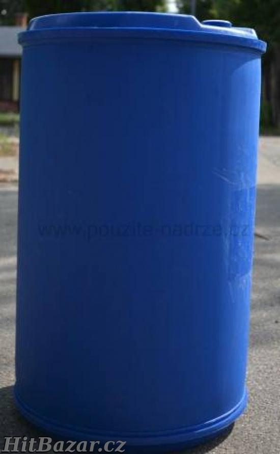 Plastovy sud na vodu 200l