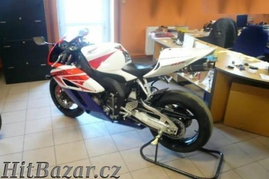 Honda CBR 1000 RR Fireblade - 4